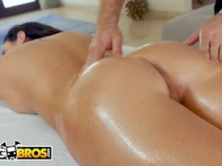 BANGBROS - Thicc MILF Angela White Gets A Massage And Cheat On Her Husband