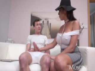 MOM Squirting big tits British MILF dishes out some sloppy rimming