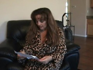 Mature giantess bitch receives a little man by mail and fucks him